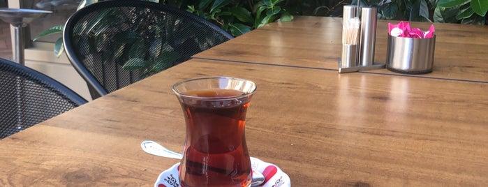 Emirgan Sütiş Merter Avm is one of Ferhat'ın Beğendiği Mekanlar.