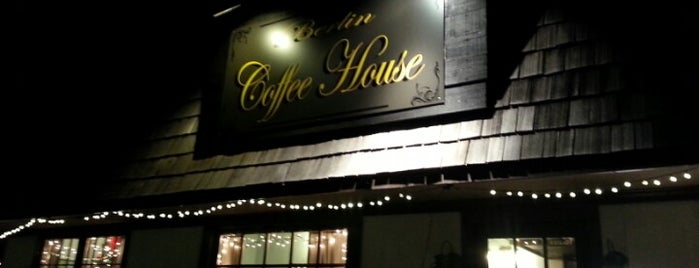 Berlin Coffee House is one of Posti salvati di Rachel.
