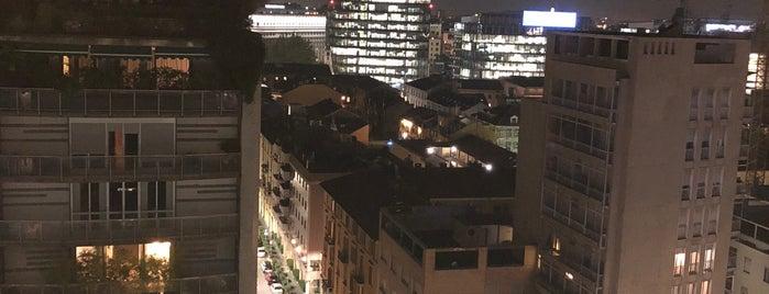 LaGare Rooftop Bar is one of Lugares favoritos de Jean Philippe.