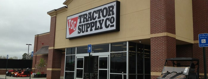 Tractor Supply Co. is one of Todd'un Beğendiği Mekanlar.