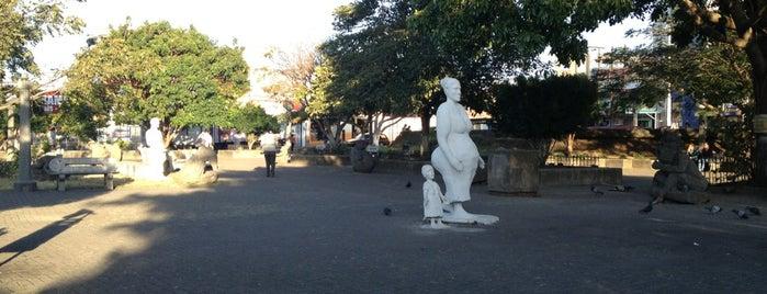 Parque de Los Angeles is one of Heredia.