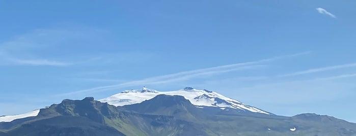 Snæfellsjökull is one of Iceland 🇮🇸.