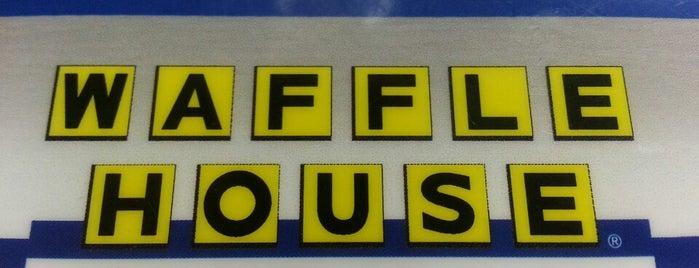 Waffle House is one of Brianna 님이 좋아한 장소.