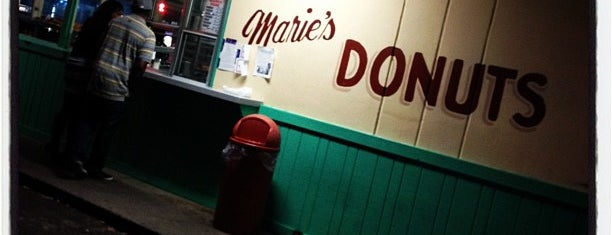 Marie's Donuts is one of Posti salvati di Christopher.
