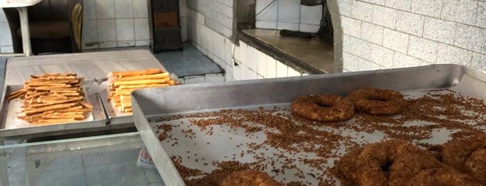 Tarihi Asmalı Simit Fırını is one of Pide, lahmacun, fırın, pizza, tost, sandviç.