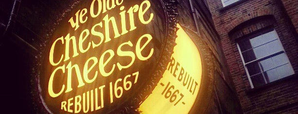 Ye Olde Cheshire Cheese is one of London Essentials.