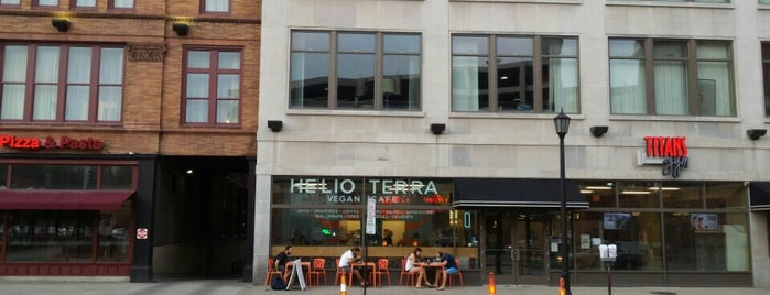 Helio Terra Vegan Cafe is one of Posti salvati di Erin.