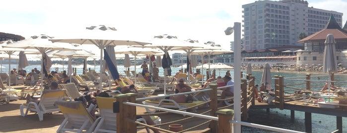 Salamis Rainbow Beach Club is one of Arda'nın Beğendiği Mekanlar.