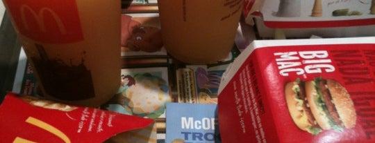 McDonald's is one of Tempat yang Disukai Denis.