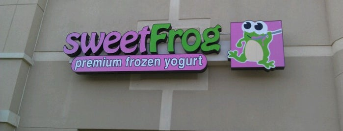 sweetFrog Premium Frozen Yogurt is one of สถานที่ที่บันทึกไว้ของ Annie.