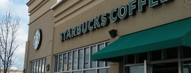 Starbucks is one of Triangle Real Estateさんのお気に入りスポット.