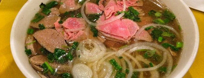 Pho Duy is one of Danielle 님이 저장한 장소.