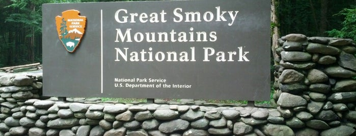Parque nacional de las Grandes Montañas Humeantes is one of National Parks.
