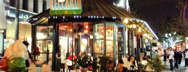 Caffe Bellagio is one of Lugares favoritos de Victor.