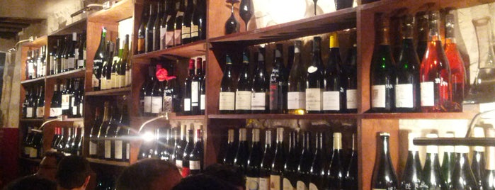 Le Garde-Robe is one of The VERY best wine bars in Paris.