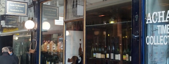 Racines is one of Locais curtidos por Paris by wine.