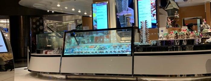 Gelato Store At ARIA is one of สถานที่ที่ David ถูกใจ.