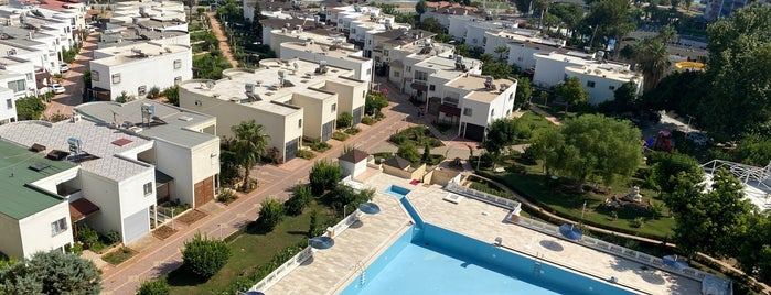 Clup Lido Tatil Sitesi is one of Tarıkさんのお気に入りスポット.