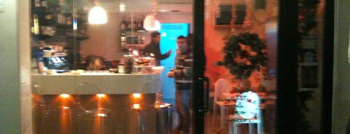Happy Hour Cafè is one of Posti che sono piaciuti a Tobia.