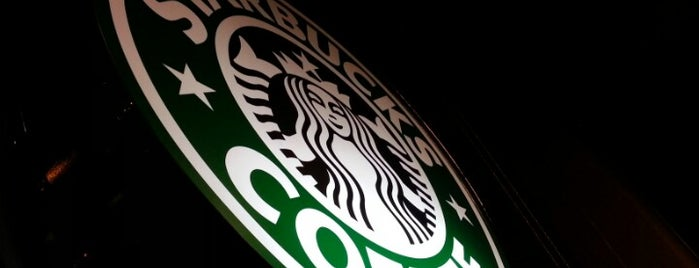 Starbucks is one of Locais curtidos por Chanine Mae.