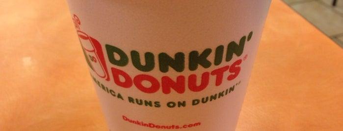 Dunkin' is one of Lieux qui ont plu à Cindy.