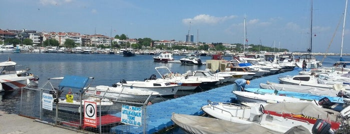 Yeşilköy Marina is one of Orte, die Sibel gefallen.