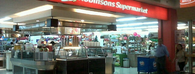 Robinsons Supermarket is one of Lieux qui ont plu à Shank.