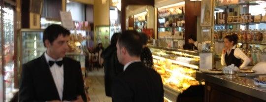 Caffè Pasticceria Cucchi is one of Posti salvati di Elena.