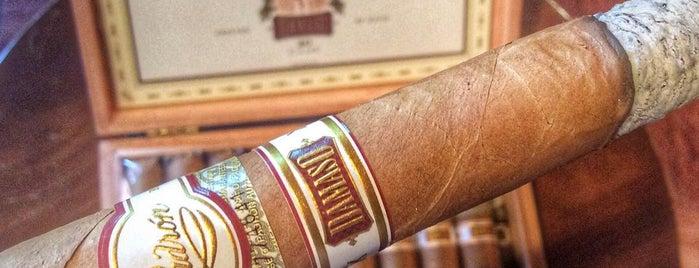 Bayside Cigars is one of Майами.