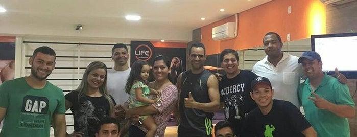 Life Club Academia is one of Locais curtidos por Weber.