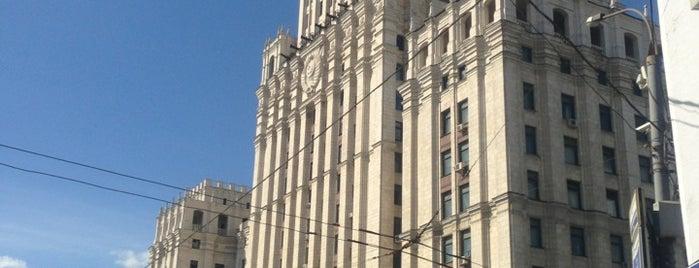 Высотное здание на площади Красных Ворот is one of На районе.