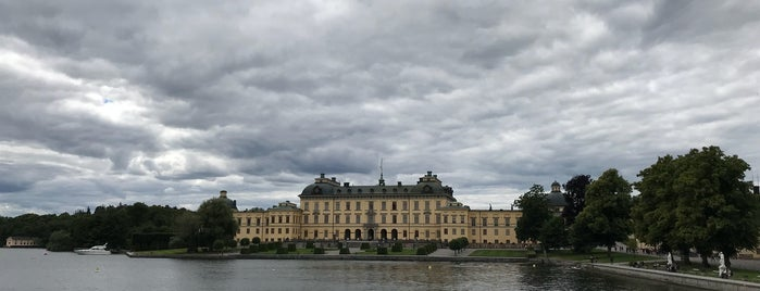 Drottningholms Slott is one of Locais curtidos por IrmaZandl.