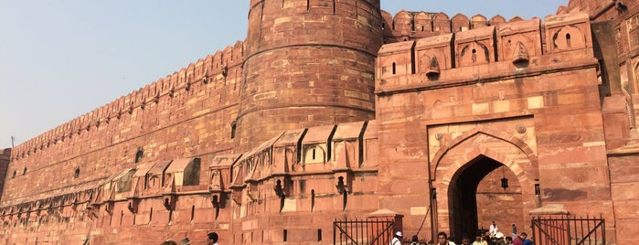 Agra Fort | आगरा का किला | آگرہ قلعہ is one of Lieux qui ont plu à IrmaZandl.