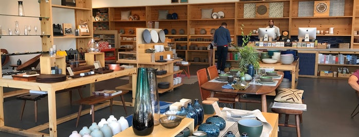 Heath Ceramics is one of Lieux qui ont plu à IrmaZandl.