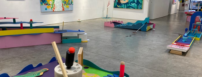 Richard Taittinger Gallery is one of IrmaZandlさんのお気に入りスポット.