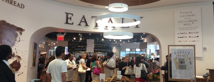 Eataly Downtown is one of Lugares favoritos de IrmaZandl.