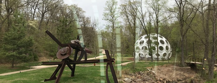 North lawn at Crystal Bridges is one of Lugares favoritos de IrmaZandl.