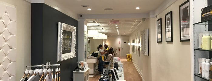 Drybar Lower East Side is one of Locais curtidos por IrmaZandl.
