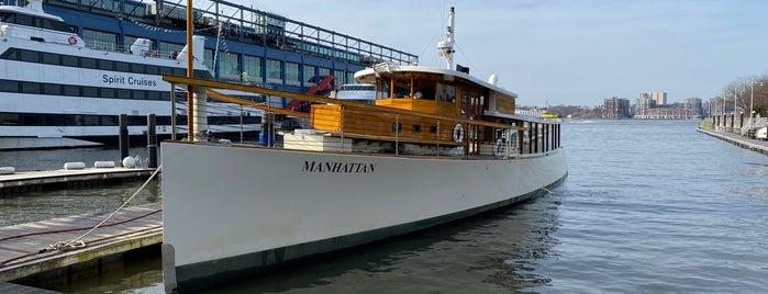 Classic Harbor Line - Pier 62 is one of Lieux qui ont plu à IrmaZandl.
