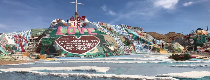 Salvation Mountain is one of Lugares favoritos de IrmaZandl.