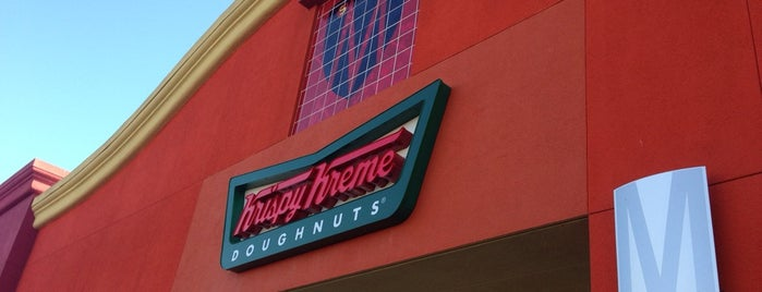 Krispy Kreme Doughnuts is one of Leticia's Saved Places.