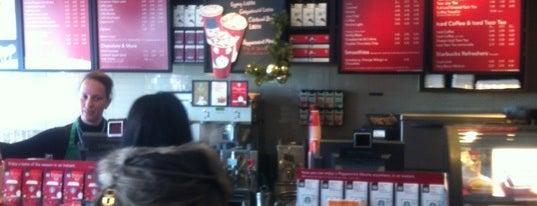 Starbucks is one of Skeeter 님이 좋아한 장소.