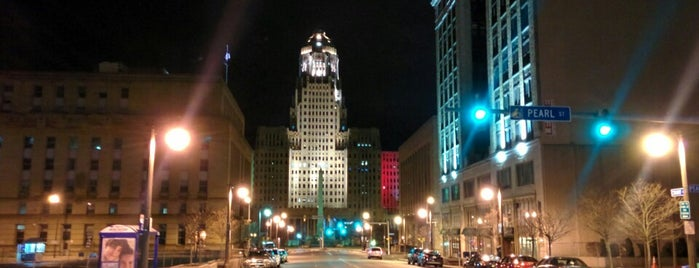 Downtown Buffalo is one of Locais curtidos por Laura.