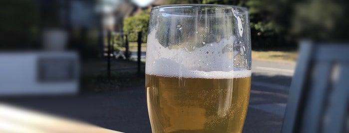 West Berkshire Brewery is one of Carl'ın Beğendiği Mekanlar.