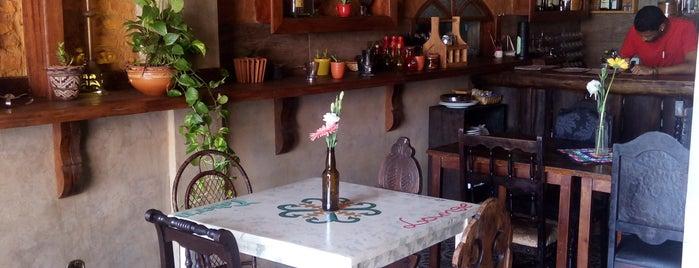 Taberna Lounge is one of Locais curtidos por Lilian.