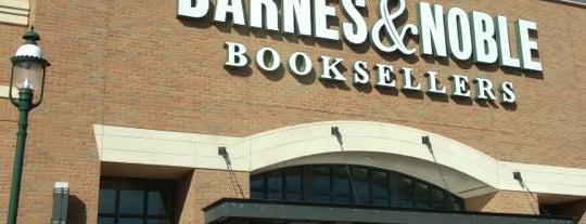 Barnes & Noble is one of Jedidiah 님이 좋아한 장소.