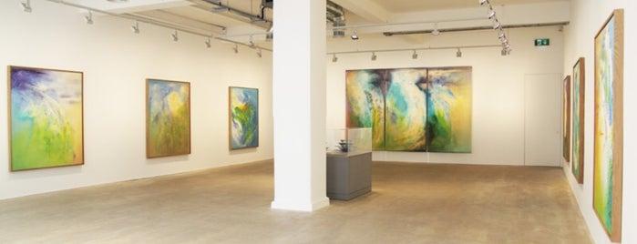 Bernard Jacobson Gallery is one of London.