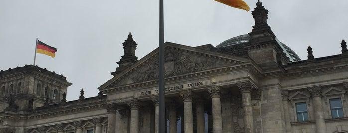 Reichstag is one of Orte, die Ivan gefallen.