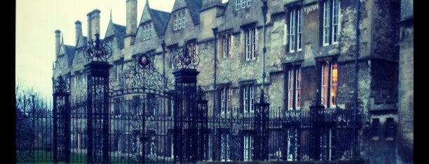 Merton College is one of 🇬🇧 Oxford.