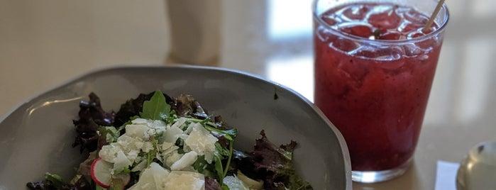Klub Kitchen is one of Orte, die Cristi gefallen.